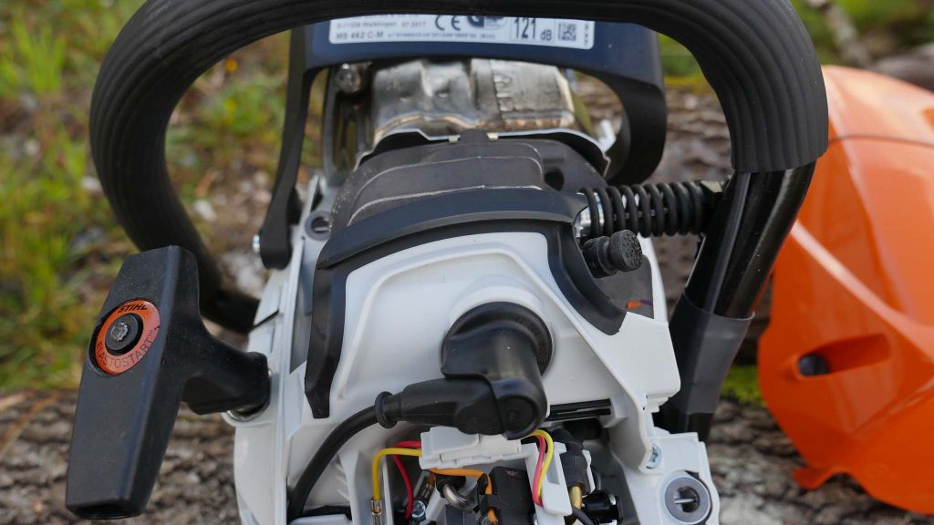 Stihl MS 462 spark plug placement