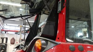 valtra unlimited rear window wedge