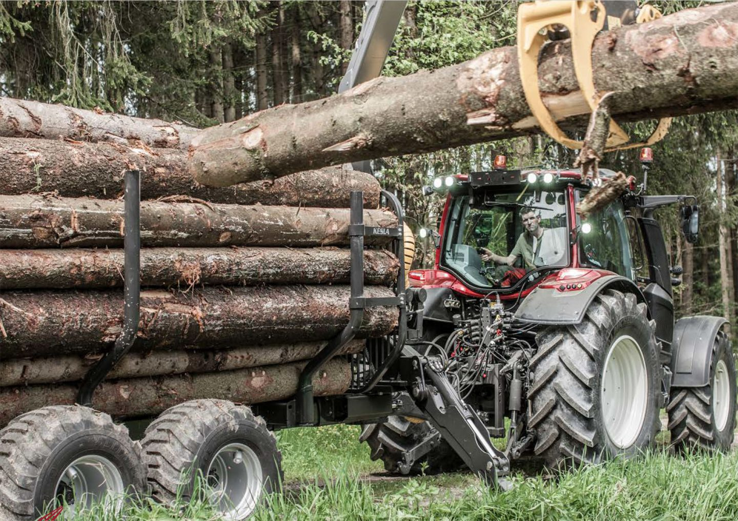 Valtra 4-series tractors in the forest
