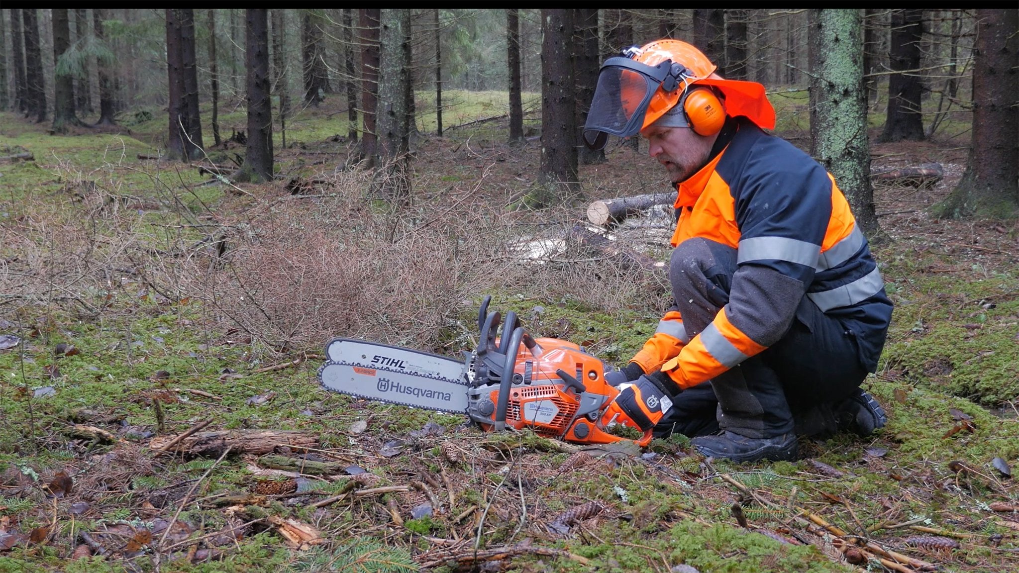Super Comparison - Husqvarna 550XP Mk II VS MS 261 from Stihl | Forestry.com #NS_42