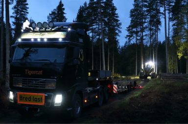 Moving a forest machine